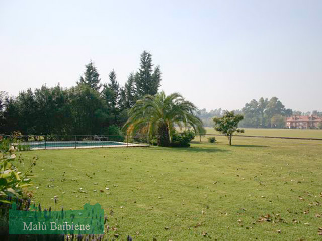 Martindale Country Club REF 0228
